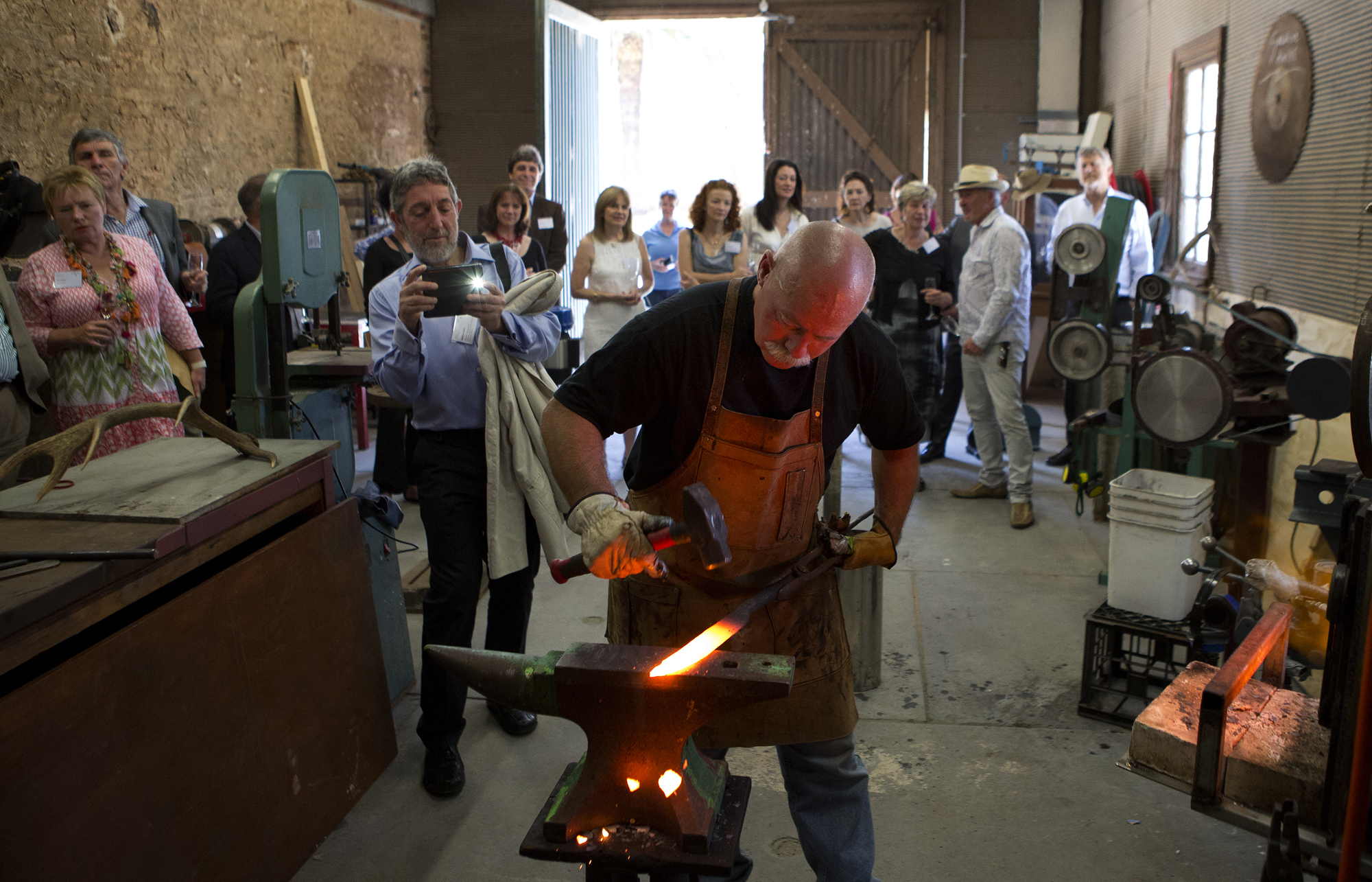 Knifemaker Barry Gardner wields his magic at Seppeltsfield Winery