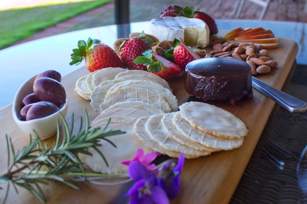 Seppeltsfield Vineyard Cottage - platter on the verandah